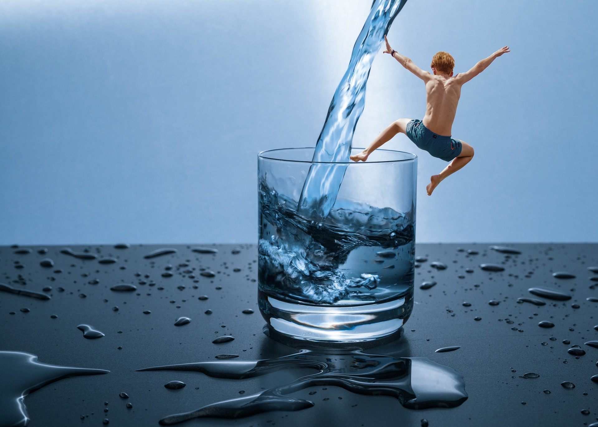 Discover 10 Simple Tools and Tips to Stay Hydrated